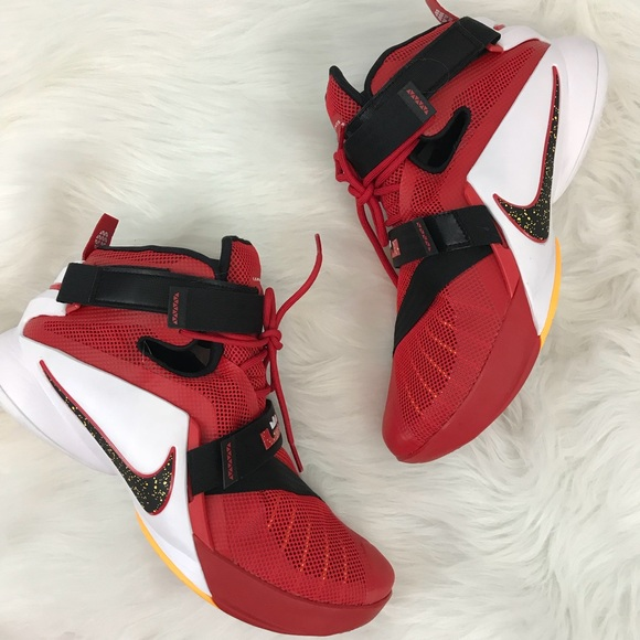 low priced 660fb 8ca2a Nike Zoom Lebron Soldier IX Sneakers 10.5 NWT